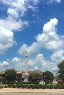 Monument to Confederate Soldiers on the Square